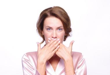 неприятный запах изо рта стоматит