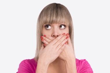 Заеды в уголках рта: причины и лечение
